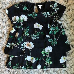 H&M Mama Floral Nursing Friendly Top 🌿